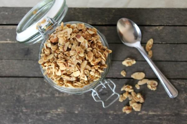Vanilla-Almond-Granola-Cereal5-1024x682
